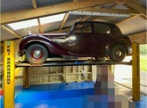 Barn Conversions to Garage - Classic Car